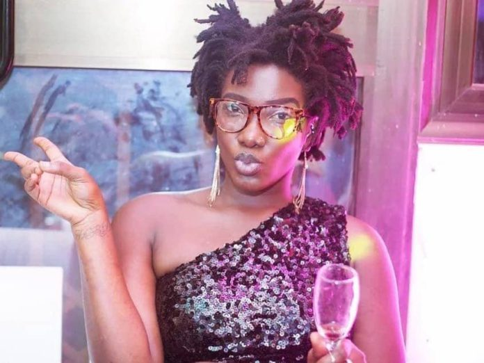 License of driver of Ebony's vehicle expired 3 years before the accident 4
