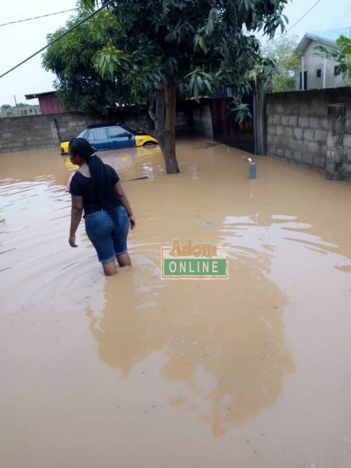 residents angry in flood areas