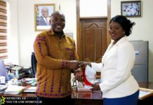 woman who rejected anas bribe recived award