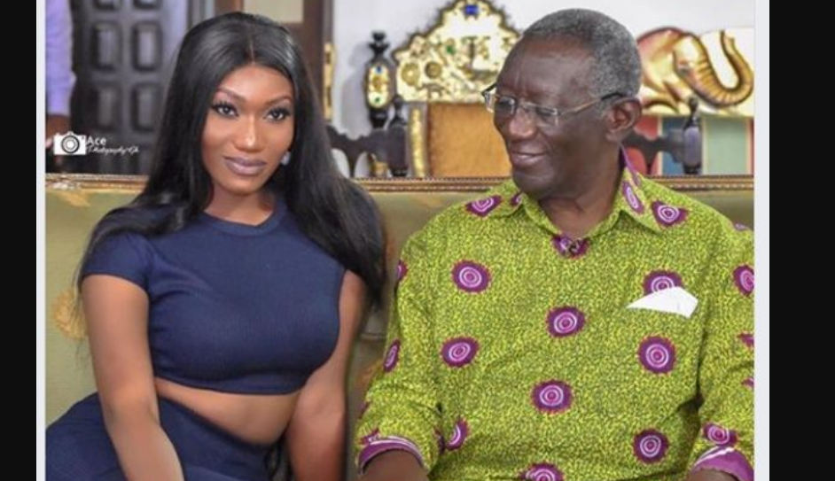 Social media reacts to Ex-President Kufuor-Wendy Shay photo