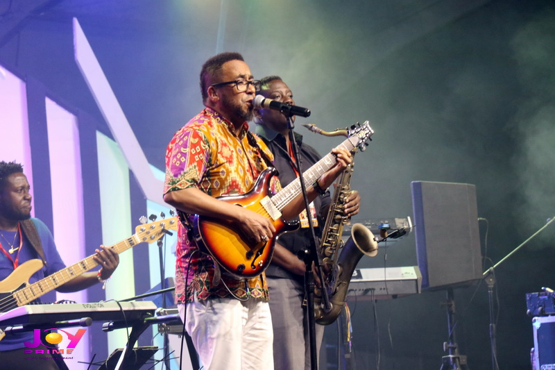 Image result for Ernie Smith performs in ghana