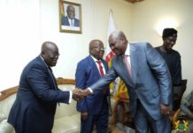 Akufo Addo and Mahama in a handshake