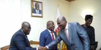 Akufo Addo and Mahama in a handshake
