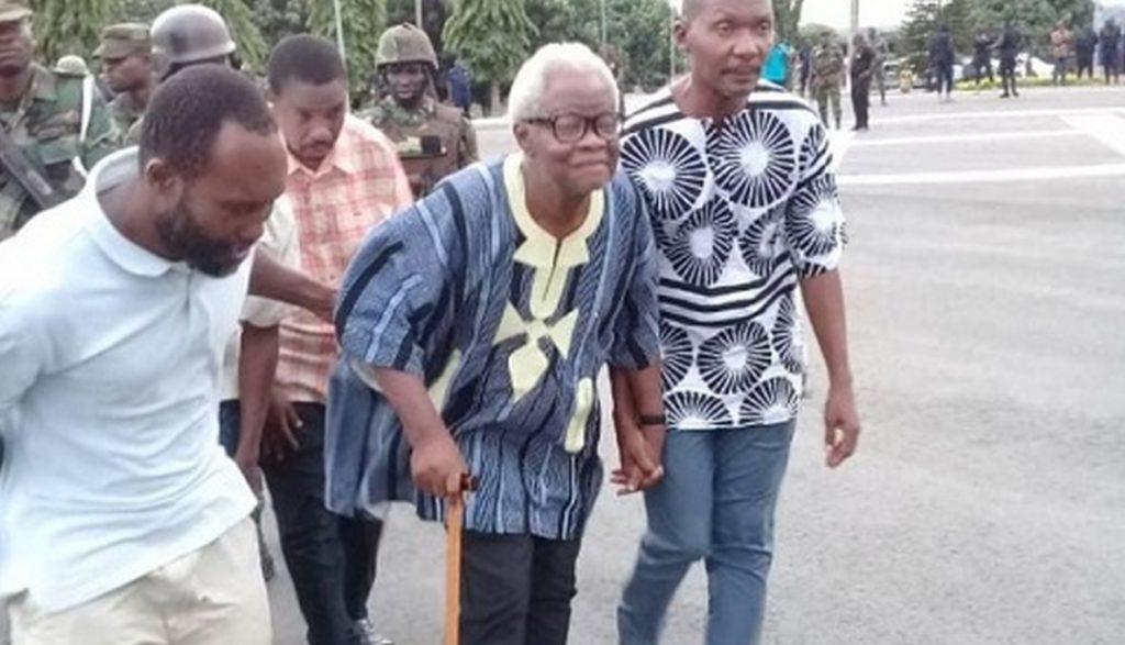 Charles Komi Kudzordzi [with walking stick] declared Western Togoland independent on November 16