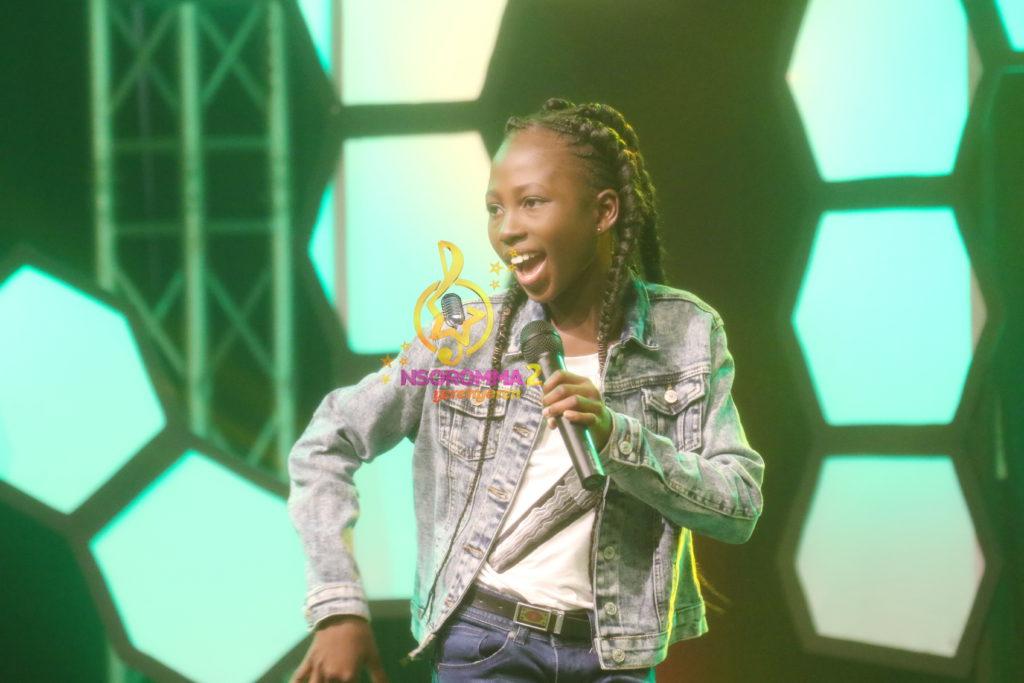 Juanita Esi Ativi performed 'Me hia Odo' by Kwasi Pee. at Nsoromma 2019