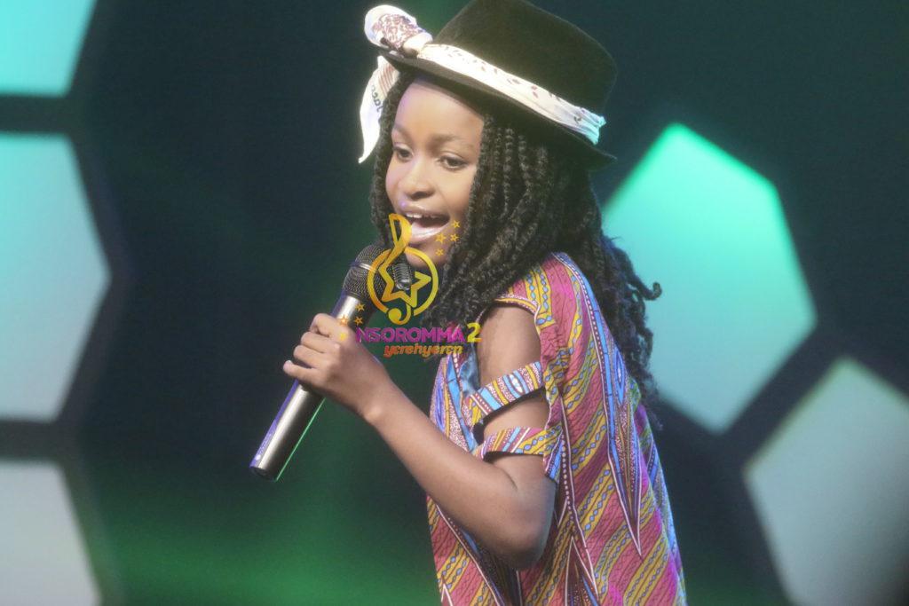Reneil Aboagye performs 'Eka bi nie' by Akosua Agyapong at Nsoromma 2019