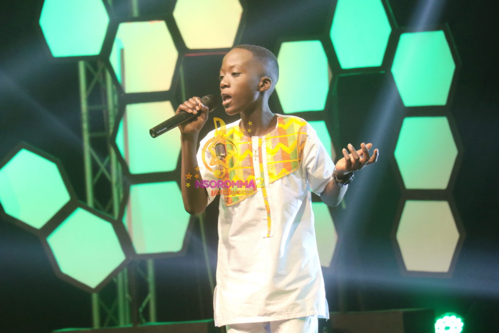 Francis Addai performs 'Aseda' by the late Ebony Reigns at Nsoromma 2019