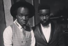 Singer Akwaboah (L) and Sarkodie