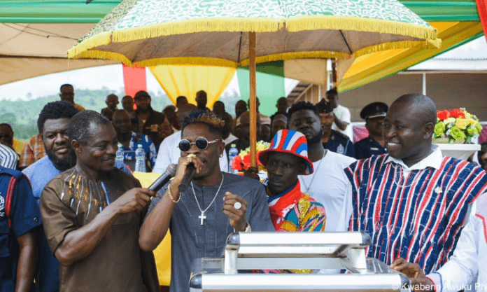 Shatta Wale celebrates farmers with GHC 150k worth of electrical gadgets