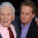 Kirk Douglas with son Michael Douglas (Getty Images)