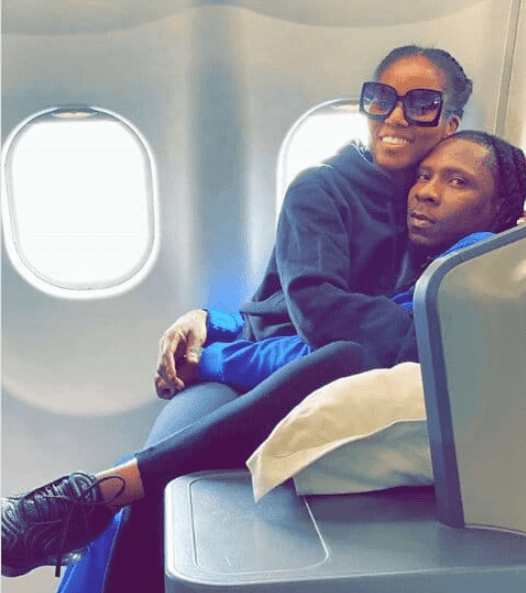 Mugeez and MzVee in cosy photo
