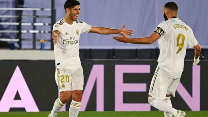 Karim Benzema (right) scored Real's first and assisted Marco Asensio (left) for the second