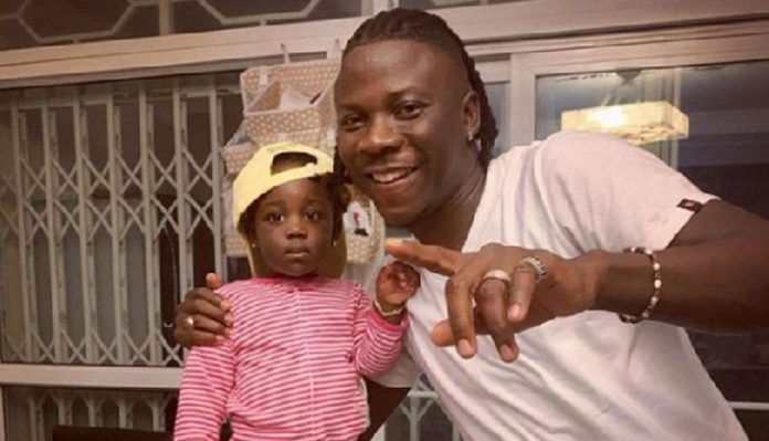 Stonebwoy and his daughter, C.J