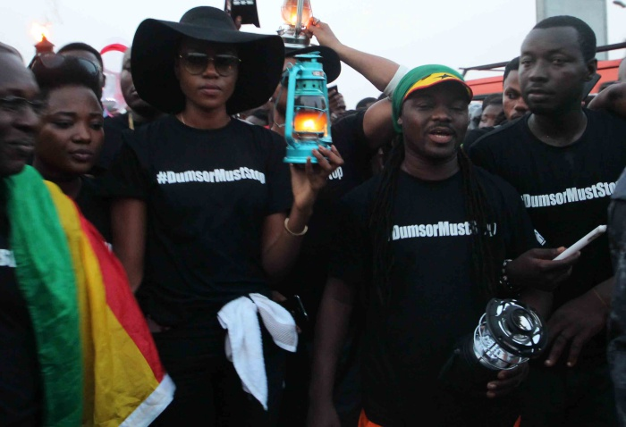 Yvonne Nelson with some industry players protest against load shedding exercise in 2016