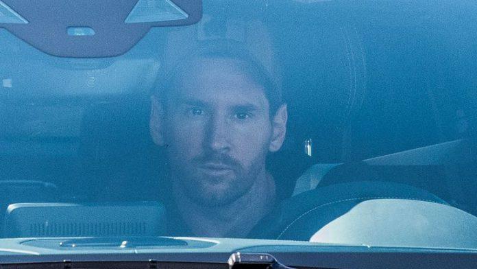 Lionel Messi arrives at Barcelona training grounds