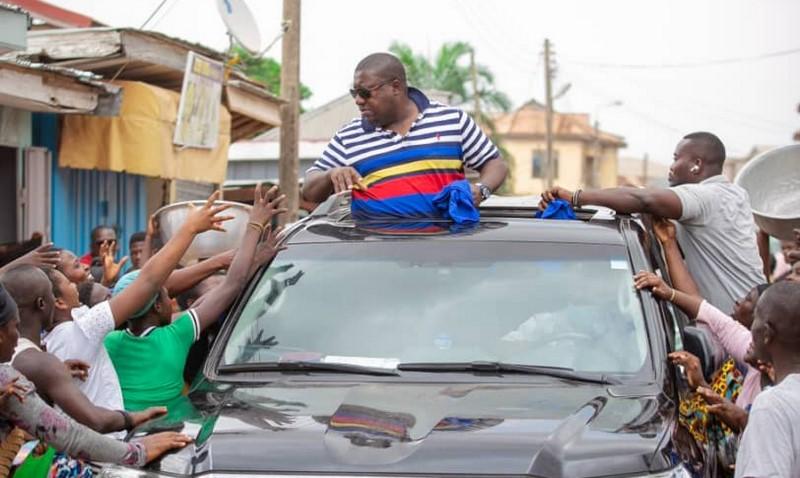 Election 2020: Nana B mobbed at Bantama market