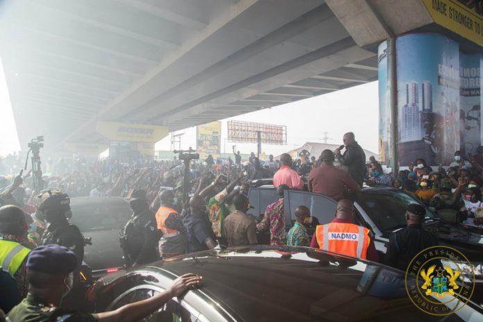 Akufo-Addo visits odawna market fire scene