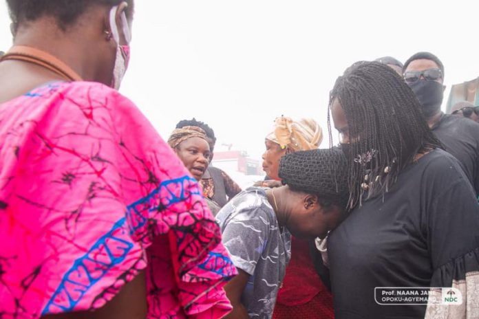 Prof Opoku-Agyemang consoles victims of Odawna fire