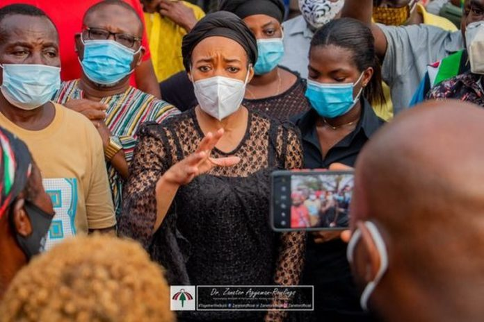 Zenator Rawlings visits victims of Circle-Odawna market fire