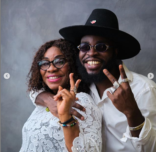 M.anifest and mother