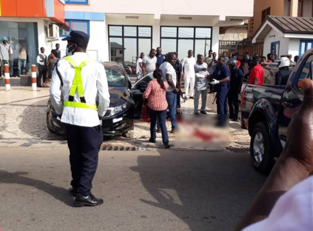 A driver of a KIA salon vehicle has shot himself after shooting a man who warned him against careless driving at Ayeduase near KNUST.