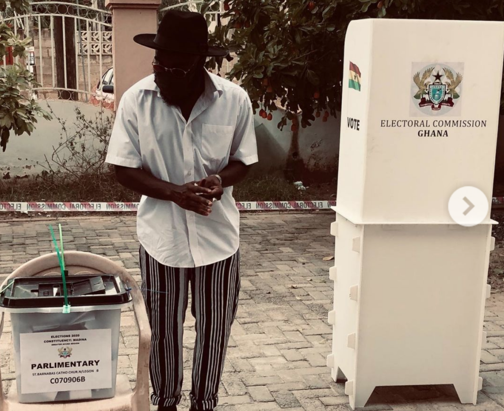 "Rapper M.anifest urges electorate to cast their vote in the ongoing elections. He wrote: ""Fellow Ghanaians, keep it peaceful and stay masked up as you go to the polls. Coro still dey street."" 