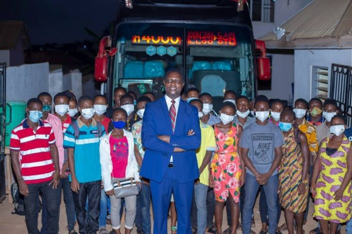 Dr. Adutwum and the 30 students