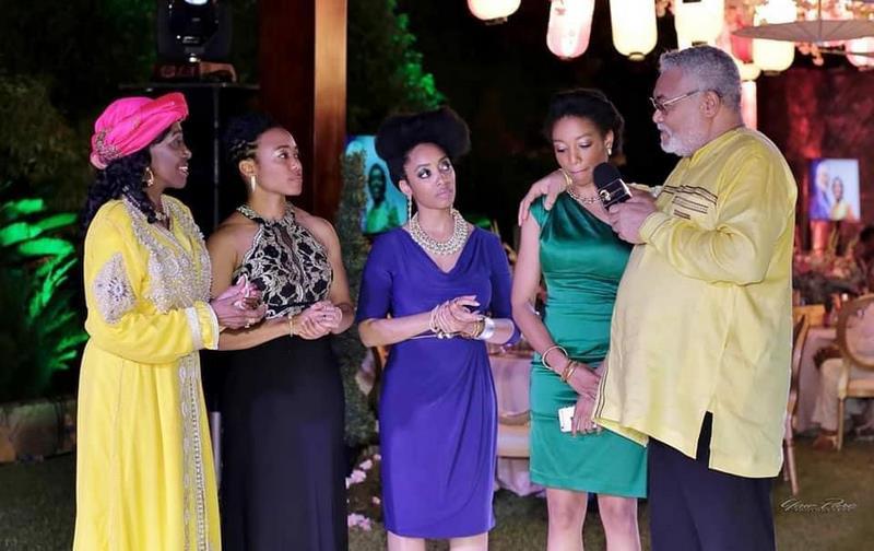 Rawlings and daughters in beautiful pose
