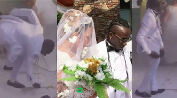 Patapaa picked all the monies sprayed on him at his wedding