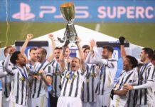 Italian Super Cup - Final - Juventus v Napoli - Mapei Stadium, Reggio Emilia, Italy - January 20, 2021 Juventus players celebrate with the Italian Super Cup REUTERS/Alberto Lingria