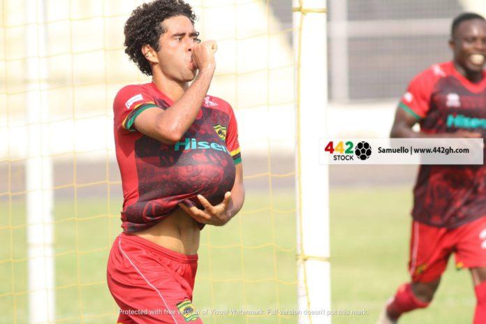 Fabio Gama celebrates