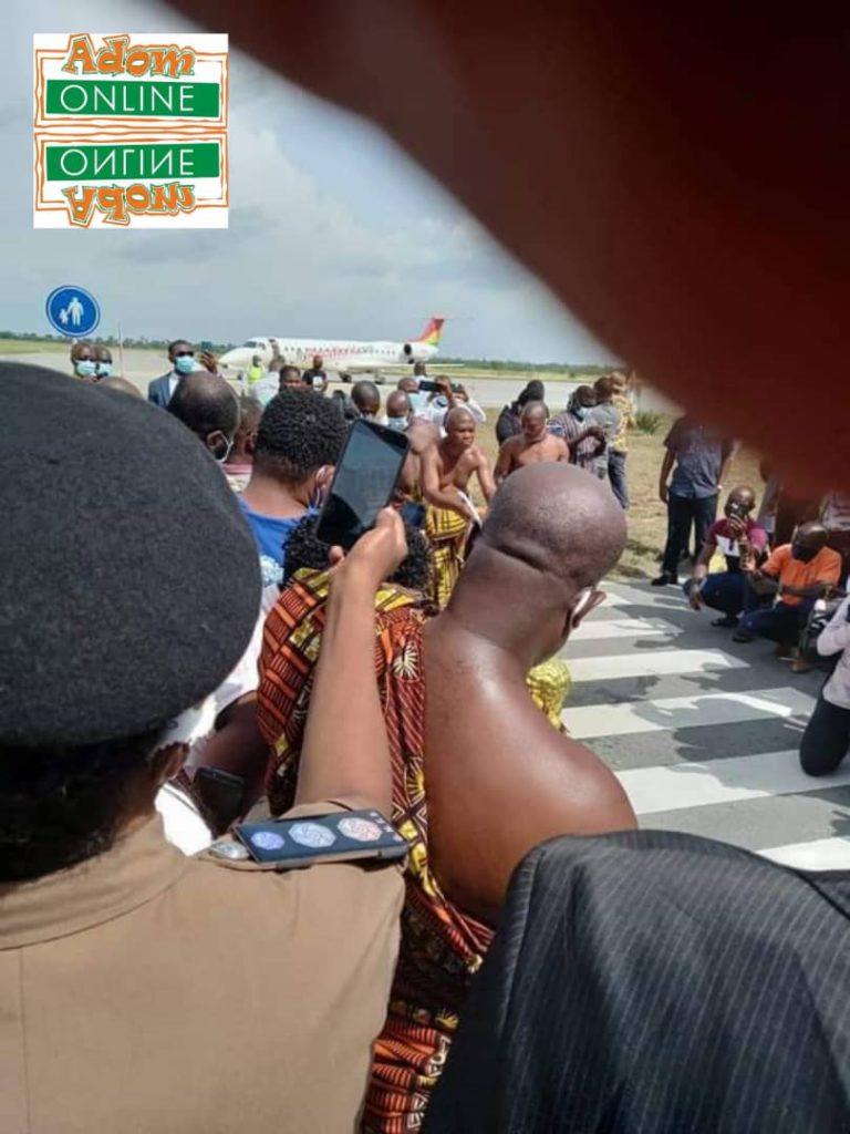 Flight makes historic landing at Ho Airport [Photos]. 6