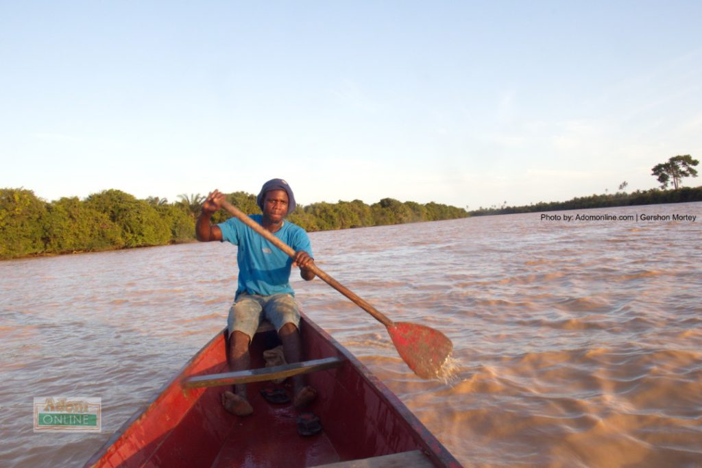 Fisherman who work on the Pra River bemoan the lack of fishes due to Galamsey activities.