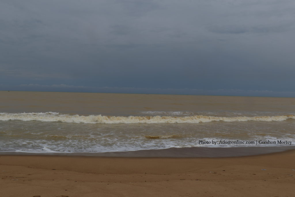 The current colour of the sea at Shama Beach