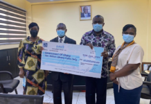 Ghana Reinsurance Company Limited (GhanaRE) has presented a cheque of 10 million cedis to government through the State Interest and Governance Authority (SIGA).