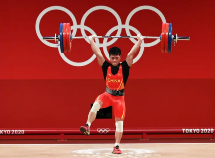 Tokyo Olympics: Chinese weightlifter wins gold on one leg (Photos)