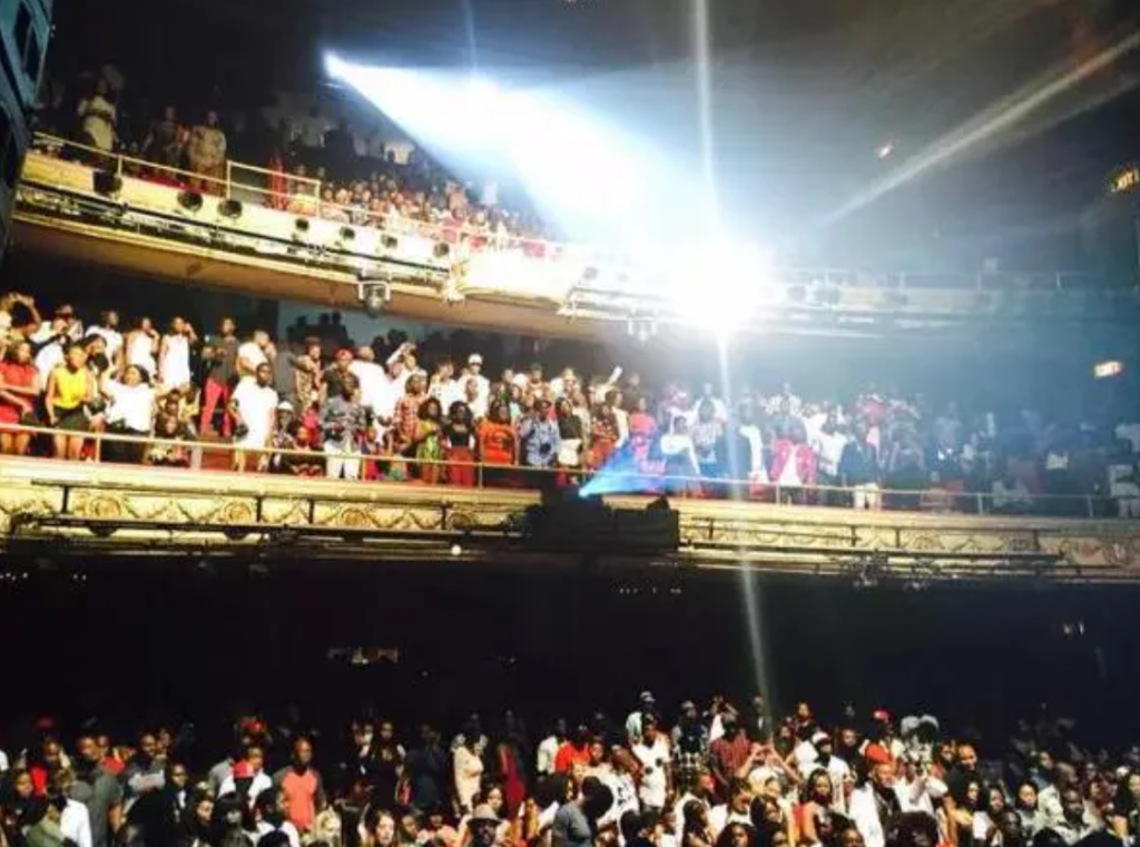 About 1,500 music lovers trooped the venue to be a part of Ghanaian rapper Sarkodie's #SarkodieHistoryInTheMaking concert at the Apollo Theatre, 2015